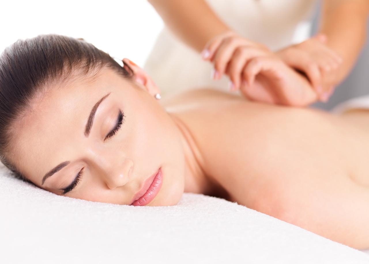 Manualna terapija in masaže Bruno Modno frizerstvo Frizerski salon Yvonne masaža