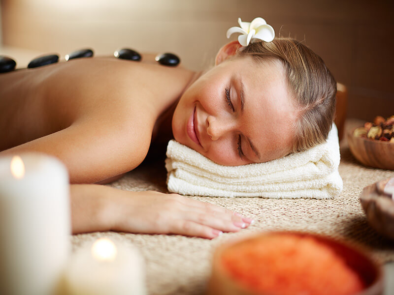 Manualna terapija in masaže Bruno Modno frizerstvo Frizerski salon Yvonne Hot stone - masaža z vročimi kamni 1