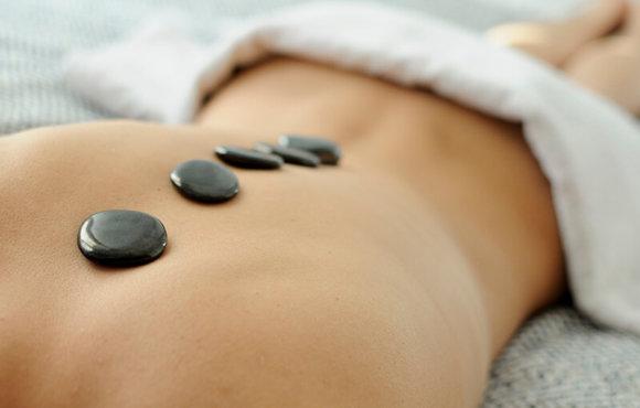 Hot-stone – masaža z vročimi kamni