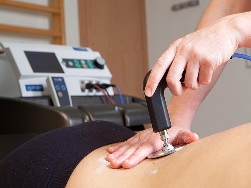 Manualna terapija in masaže Bruno Modno frizerstvo Frizerski salon Yvonne Tecar terapija 4