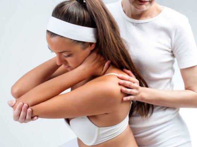 Chiropraktik - Rücken einrenken bei Schmerzen und Blockaden 1